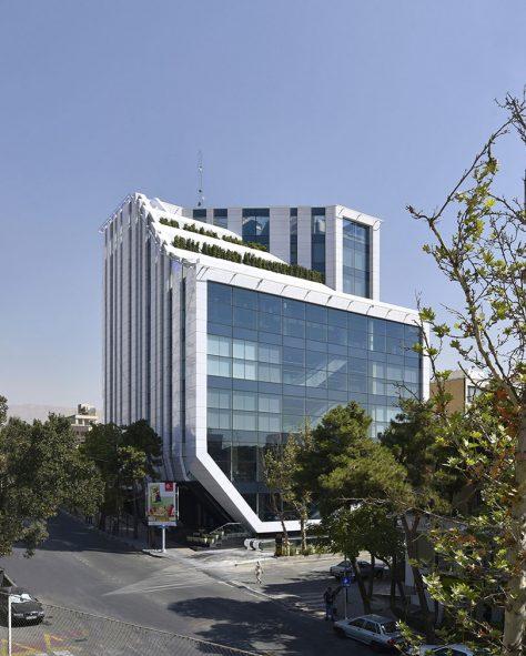 ساختمان سام پاسداران / دفتر معماری رازان (نوید امامی): برنده تقدیر ویژه جایزه ساختمان سال 1397