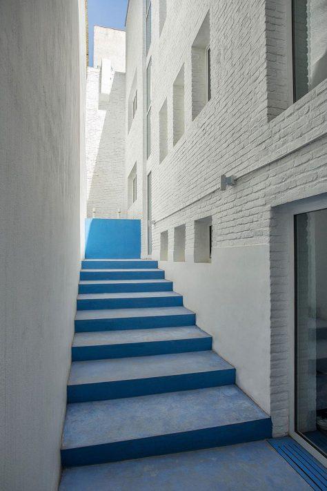 گالری نبشی، تهران / طراحان و بناکنندگان زاو (محمدرضا قدوسی، روشنک سجادیان): رتبه دوم گروه بازسازی جایزه معمار 1396