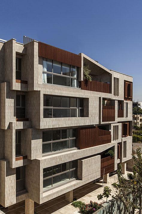 ساختمان مسکونی پنج خانه / استودیو آینده (فرشاد غفارزاده) | فینالیست جایزه آرکیتایزر 2017 در گروه «جزئیات ـ معماری + آجر»