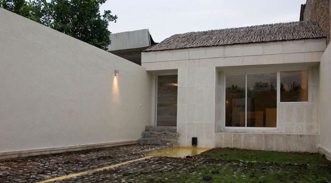 Barbod Fruit House / ZAV Design & Build