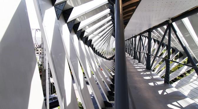 Lavasan Pedestrian Bridge / Bahoor Office