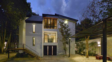 Koosheh Villa / Karnaco Architectural Design Office