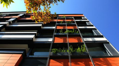80-82 Residential & Commercial Building / Mana Design Studio